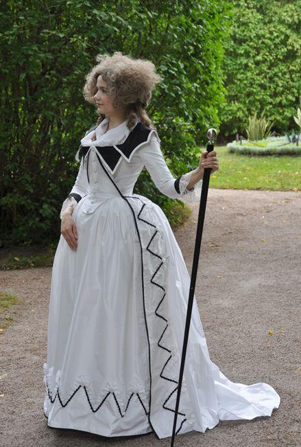 La robe redingote, la classe automne/hiver façon XVIIIe | Rochefort en  Histoire